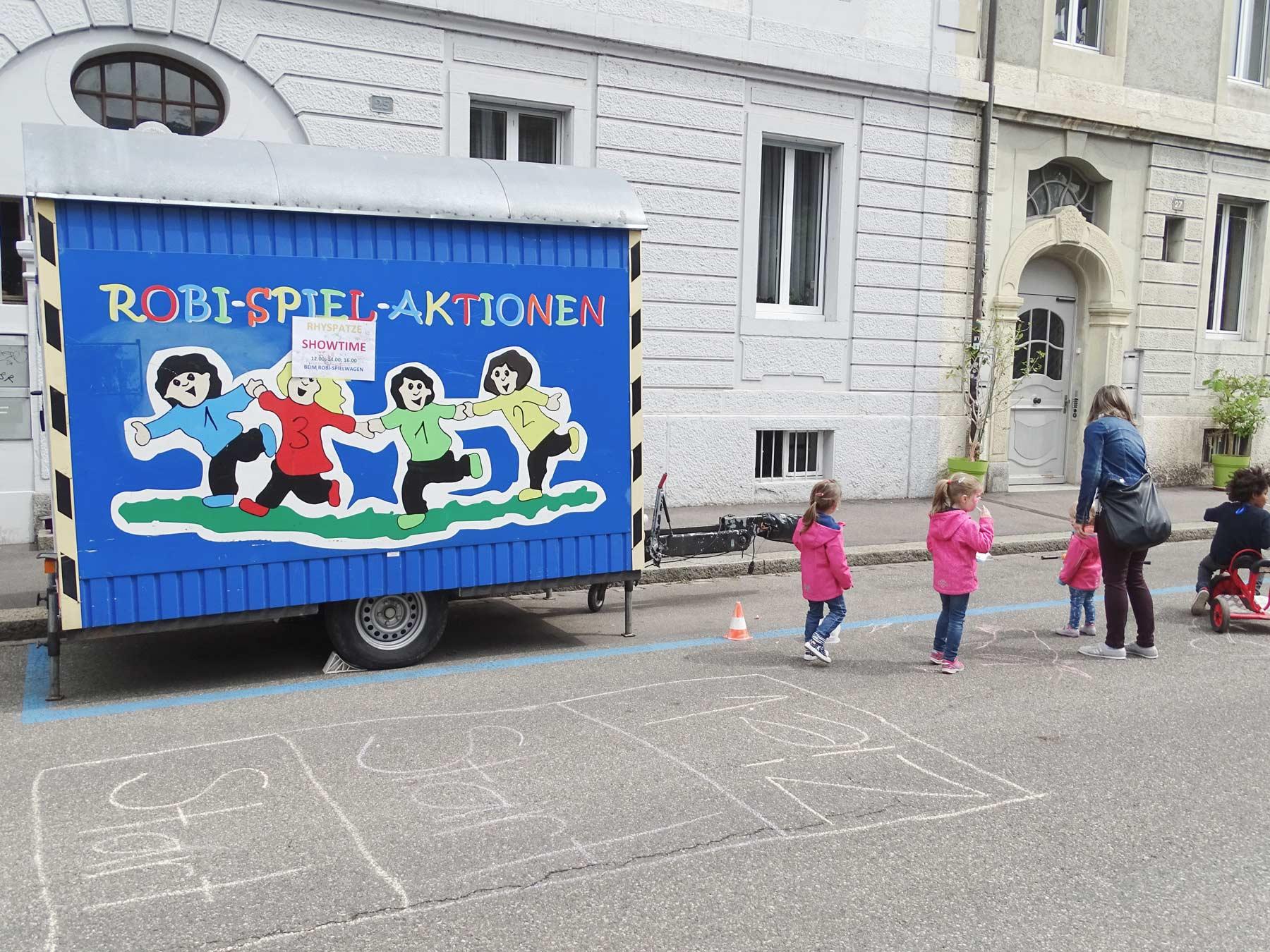 Rhy-Spatze-Quartierfest-6-Robi-Wagen